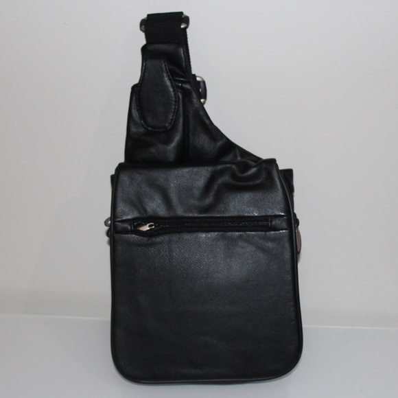 Travelon Bags   Retro Leather Crossbody Bag   Poshmark c689f01338